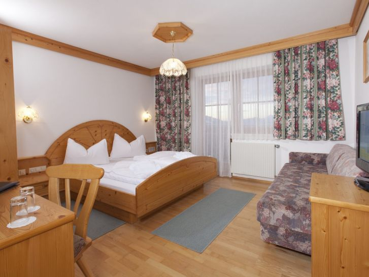Standard Rooms in Schladming: Double Rooms, Family Rooms at Hotel Schröckerhof in Planai / Fastenberg